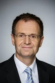 جناب آقای دکتر پتر فرانک دادستان کل آلمان فدرال،