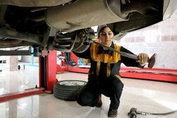 پای صحبت ژیلا قهرمانیه نخستین مکانیک زن ترک تبریزی