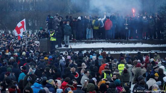 تظاهرات وسیع در روسیه علیه پوتین  با بیش از ۲۵۰۰ نفر بازداشتی