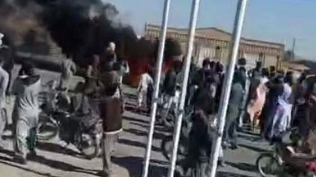 اعتصاب» در چند شهر استان سیستان و بلوچستان  در اعتراض به کشتن سوختبَران